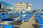 Hotel Caesar a Lido di Savio: mare, relax e coccole per tutti