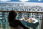 Goditi una vacanza dalla vista mozzafiato all' Hotel Shelley e delle...