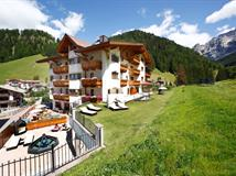 Small Luxury & Spa Hotel Savoy - Selva di Val Gardena