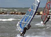 Perfette condizioni per windsurf anche in inverno