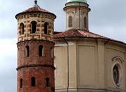 Vista della Torre Rossa e la Chiesa di Santa Caterina