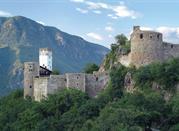 Castel Firmiano, uno dei castelli più grandi dell'Alto Adige, ospita il Messner Mountain Museum.