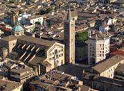Vista dall'alto del Duomo e del Battistero