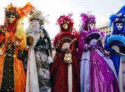 Magnifici abbigliamenti carnevaleschi
