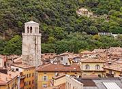 Il centro storico e il suo campanile