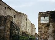Entrata nel Castello e al Museo Archeologico