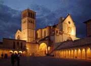 La Basilica di San Francesco di notte