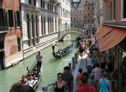 Le gondole lungo il canale