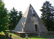 La Piramide-ossario della Bicocca