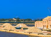 Salemi, salina con tipico mulino a vento
