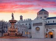 Piazza Duomo e la Fontana di Nettuno