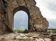 Strada e porta romana