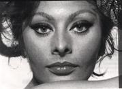 Sofia Loren, l'icona italiana e simbolo di Napoli - Napoli