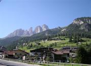 Canazei di Fassa, una delle località più affermate dell'arco alpino - Canazei di Fassa
