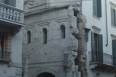 Porta Leona