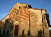 abbazie e castelli medievali, borghi, cantine e fattorie tra le colline dell'oltrepò pavese - Santa Maria della Versa