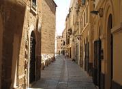Albenga, die mittelalterliche Stadt mit Türmen - Albenga
