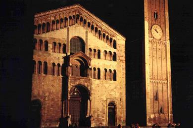 Veduta notturna del Duomo