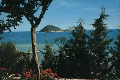 Veduta sul mare e sull'Isola Gallinara