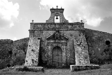 Una chiesa rurale antica