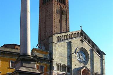 Facciata del Duomo e della Madonnina