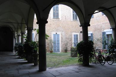Cortile interno di Palazzo Mozzanica