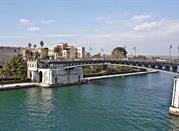 Taranto: la città ideale per chi ama l'arte e il mare - Taranto