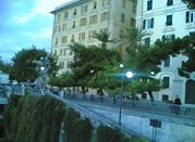 Spianata Castelletto  y el Castillo Mackenzie  - Genova
