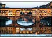 Über den Arno und unter dem Ponte Vecchio - Firenze