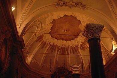 L'interno di Sant'Appolinare nuovo
