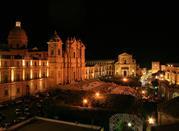 Noto, un'incantevole città sita tra le famose città di Siracusa e di Ragusa     - Noto