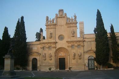 Facciata della chiesa dei Santi Niccolò e Cataldo