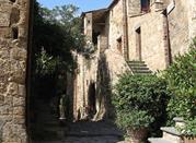 Civita di Bagnoregio – tutaj się wchodzi tylko pieszo -