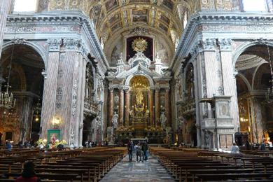 interno chiesa del gesù nuovo