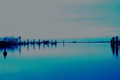L'acqua calma del porto