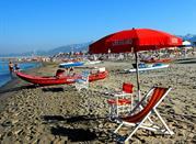 La splendida spiaggia e il meraviglioso entroterra di Camaiore  - Camaiore