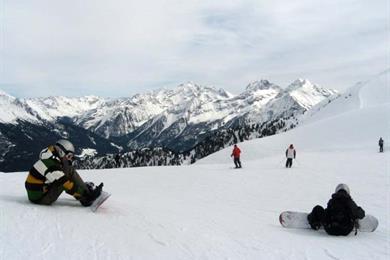 Molti praticanti di snowboard a Campo Tures
