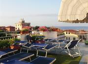 Hotel Daisy, una gemma incastonata tra le Alpi e il mar Tirreno - Marina di Massa