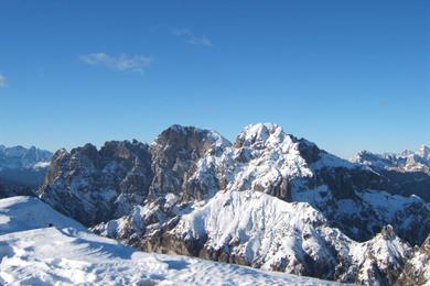 Veduta del gruppo dello Schiara dal monte Serva