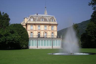 La sede della prefettura a Villa Taranto