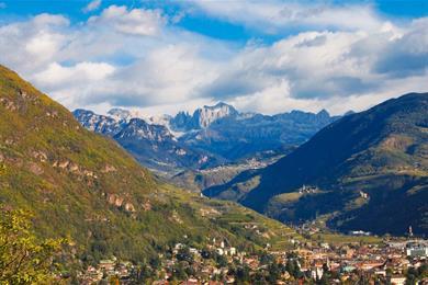 Circondato dalle Alpi