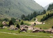 La Val Camonica, nelle provincie di Brescia e Bergamo, territorio camuno.  - Capo di Ponte