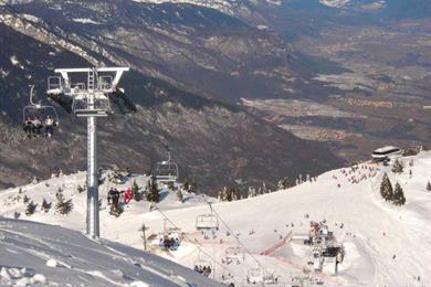 Le piste da sci di Andalo con impianti di risalita