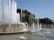Mailand, das wirtschaftliche, politische und industrielle Zentrum der Lombardei - Milano