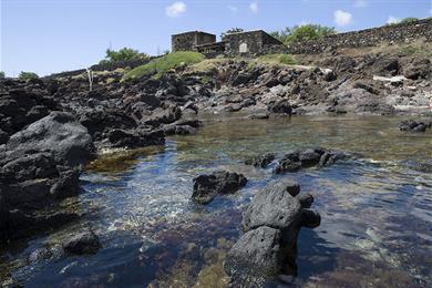 Costa e le rocce a Pantelleria