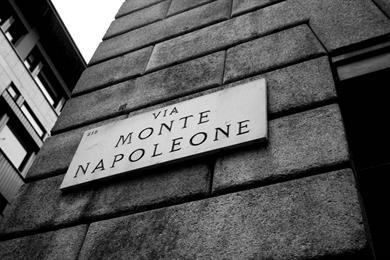 La famosa via Monte Napoleone