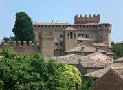 La piccola cittadina di Gradara e il suo antico castello - Gradara