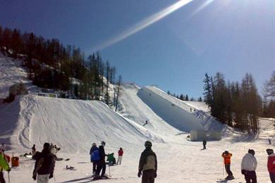 Varie piste, facili, medie e difficili per sciatori a Caspoggio