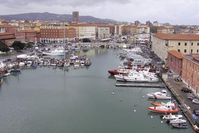 Vista dall'alto del porto vecchio
