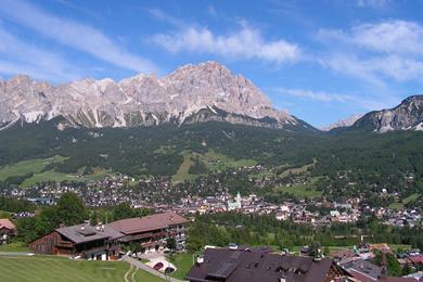 Vista di Cortina d'Ampezzo e del Monte Cristallo